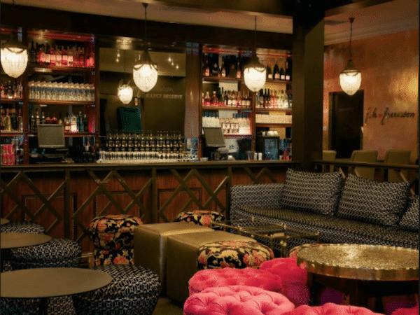 Jade Lounge & Champagne Bar