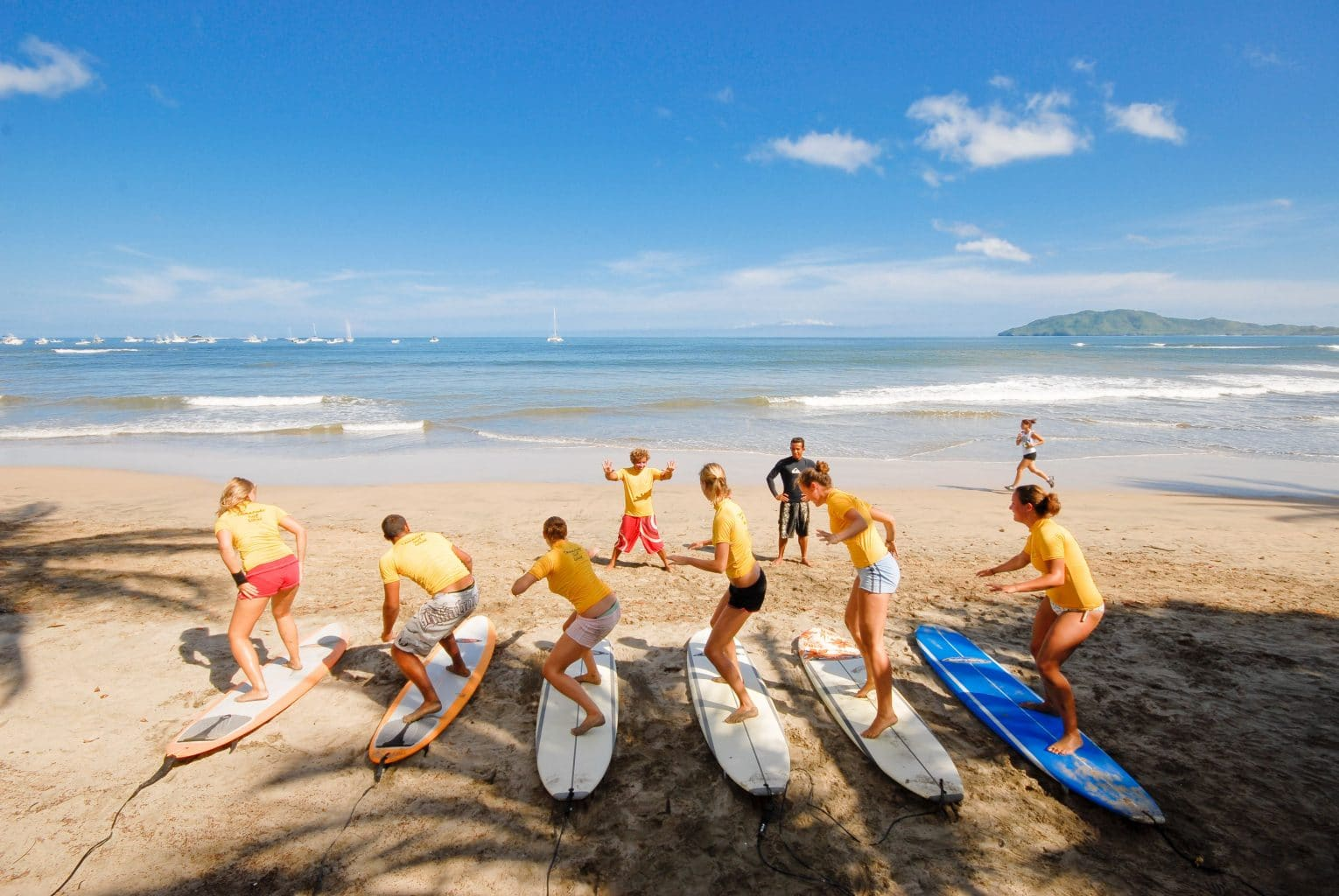 learn to surf in Tamarindo