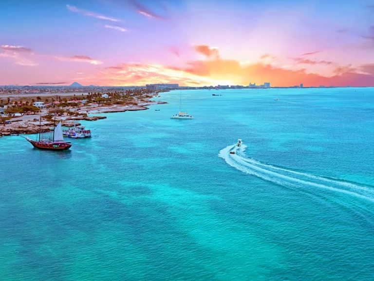 what is the best time of year to go to Aruba