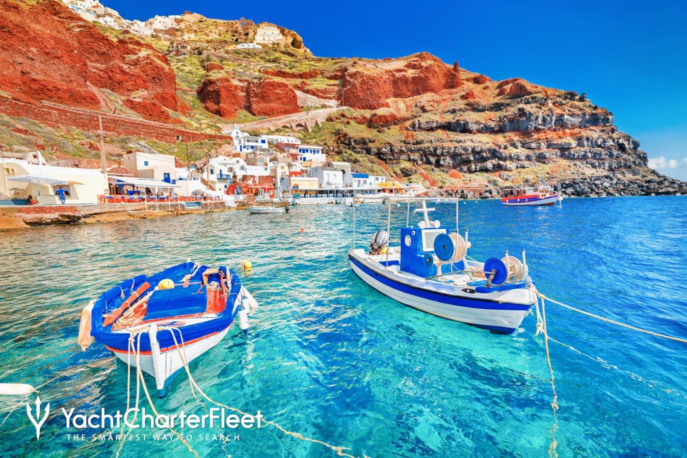 Traveling around Santorini in Boats