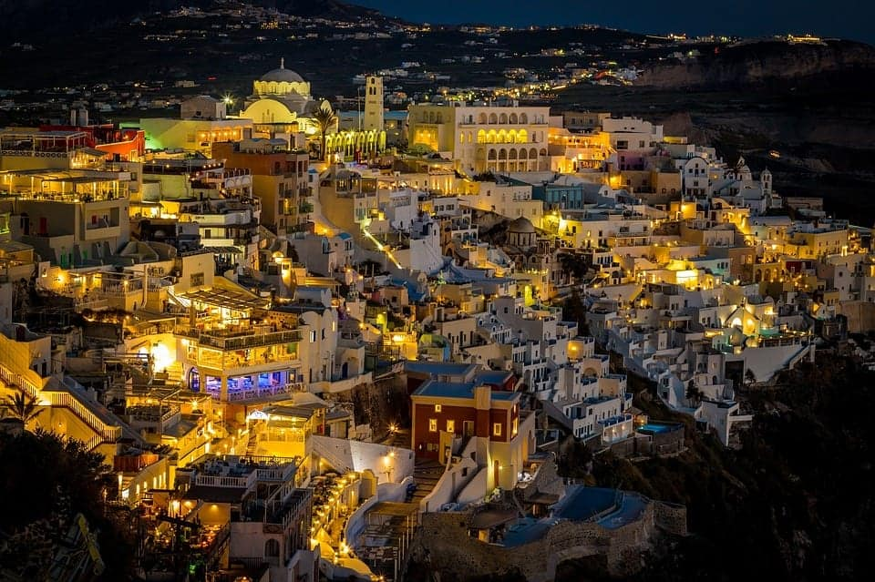 things to do in Santorini at night